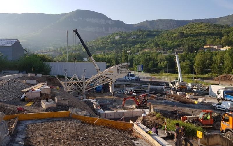 centrale-beton-levage-tour-agregat-et-malaxeur-euro-12-construction