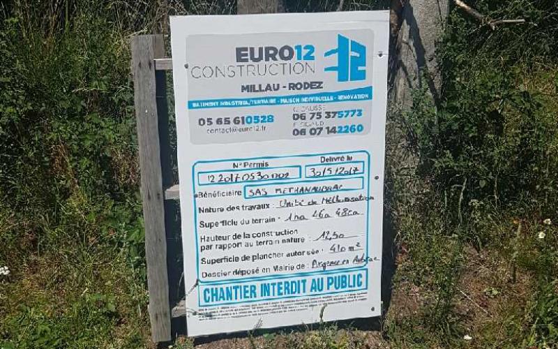 panneau-chantier-methanaubrac-euro-12-construction-paysage